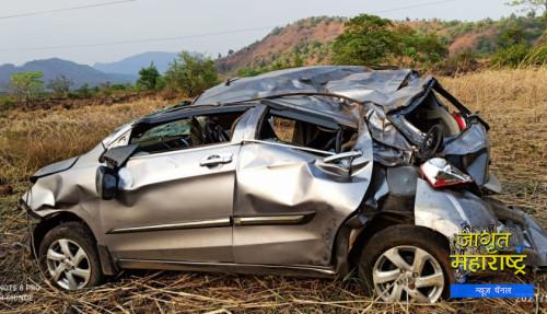 महाड तालुक्यातील तेटघर गावचे हद्दीत मारुती कंपनीची सेलेरो कारचा अपघात